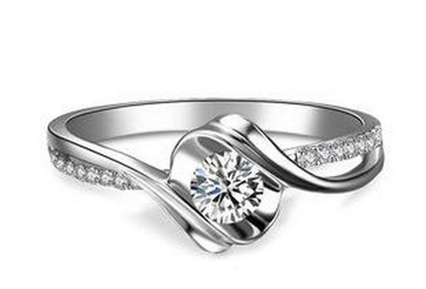 多大的钻石才有回收价值?1万元老凤祥钻戒可以回收多少钱?