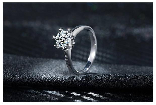 铂金钻石戒指表面有划痕怎么处理?