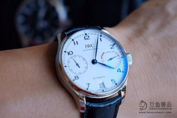 在哪里回收万国手表_回收万国手表价格高吗