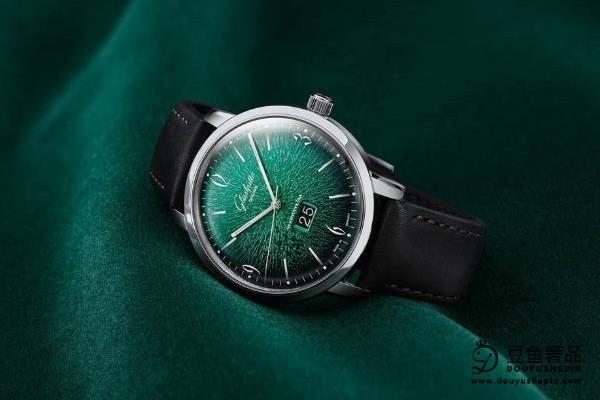 萧邦女士手表是不是不好回收?二手奢侈品市场能回收到几折?