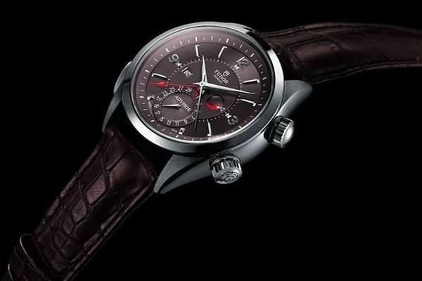 名人手表的档次是什么?哪里可以回收名人手表?